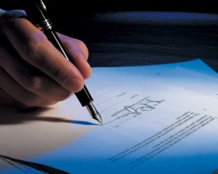 Legal examination of insurance contracts